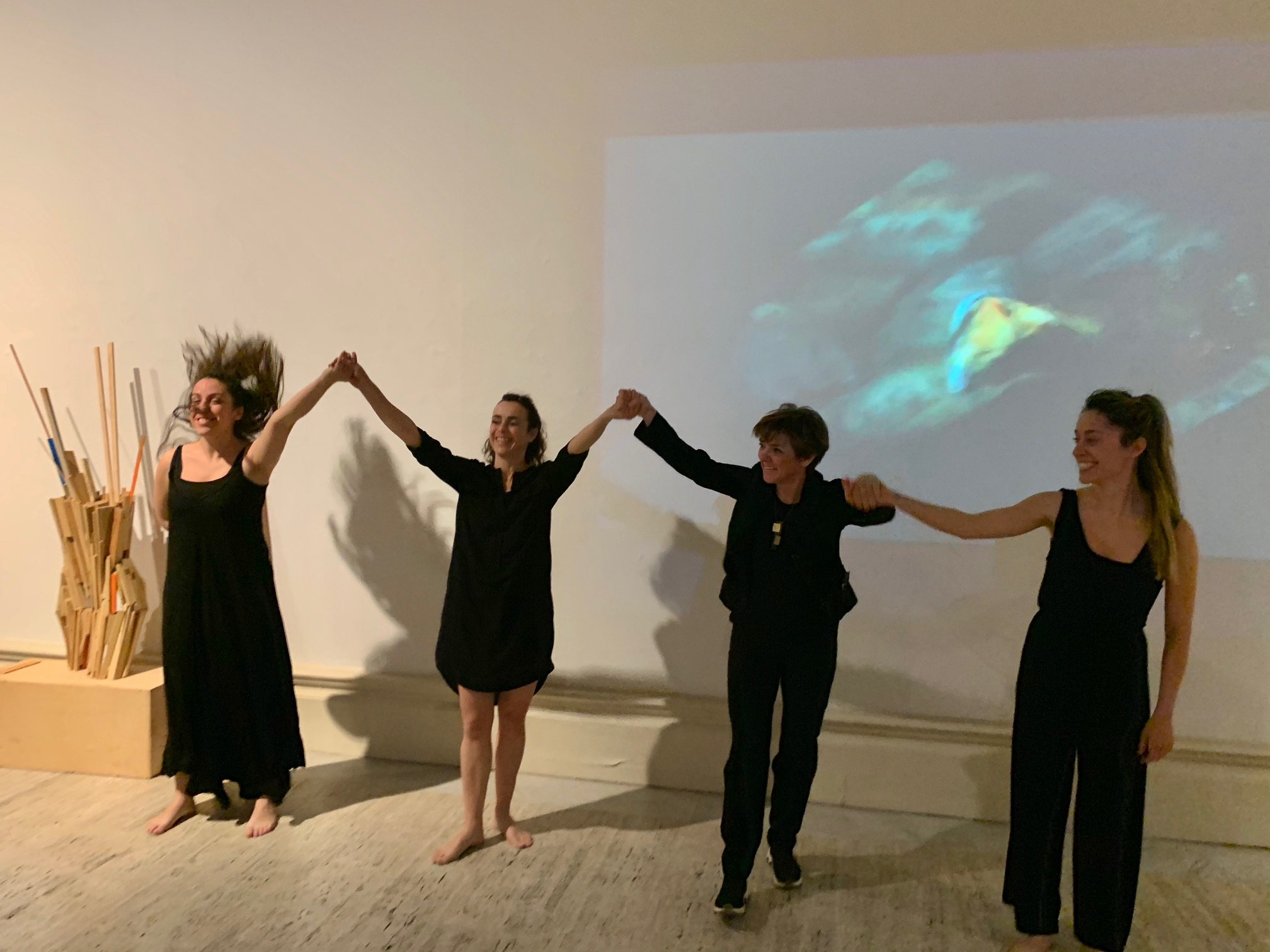 Dance Performance at the exhibition by #beatricebizot